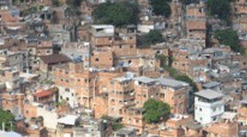 Latin Amerika'daki Enformel Yerleşimler Üzerine